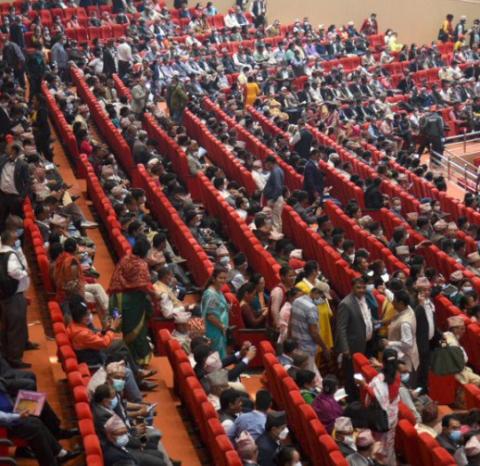 एमाले विधान महाधिवेशन : १० समूहको समूहगत छलफल शुरु